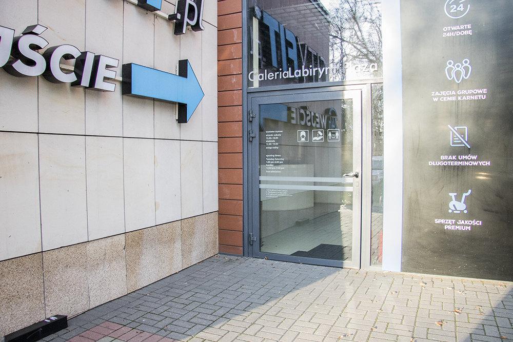 Zdjęcie wejścia do galerii labirynt Plaza