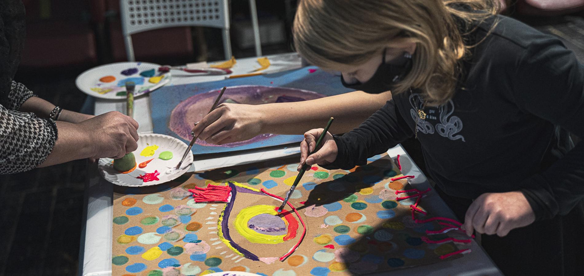 Nie sztuka poznać sztukę [PJM] | warsztaty rodzinne dla dzieci w wieku 9–12 lat